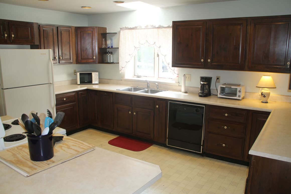 apt-upper-kitchen2