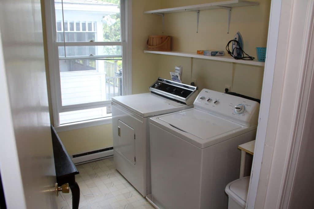 apt-upper-washer-dryer-1024x682