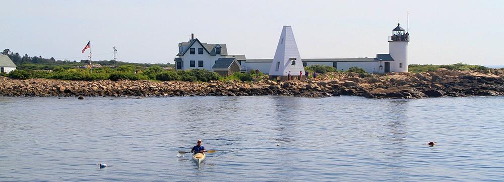 goat-island-light-kayaker