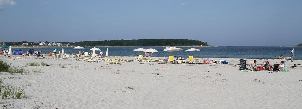 goose-rocks-beach-sailboat