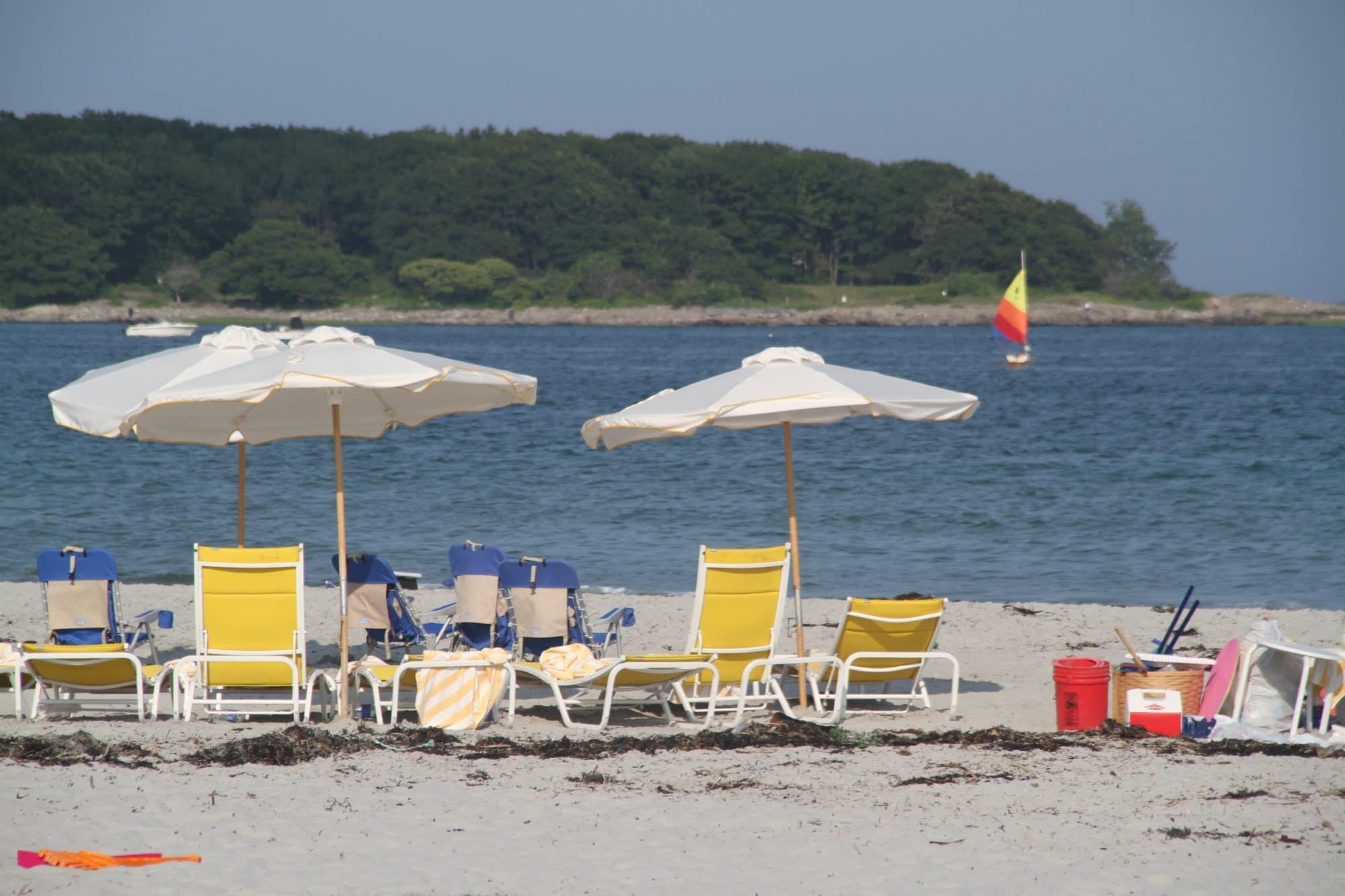 goose-rocks-beach-umbrellas-sailboat2