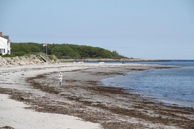 goose-rocks-beach-walker1