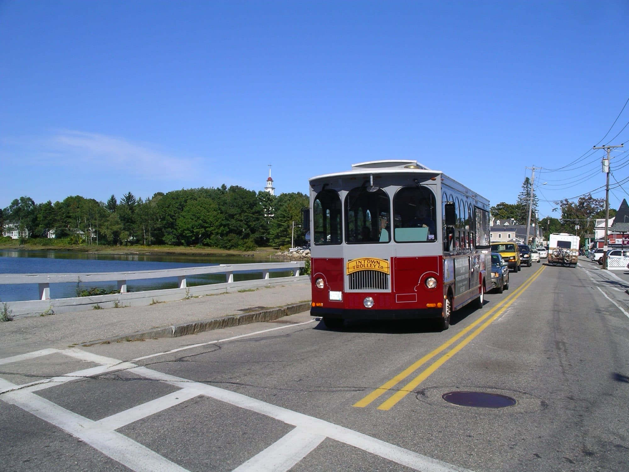 intowntrolley-2